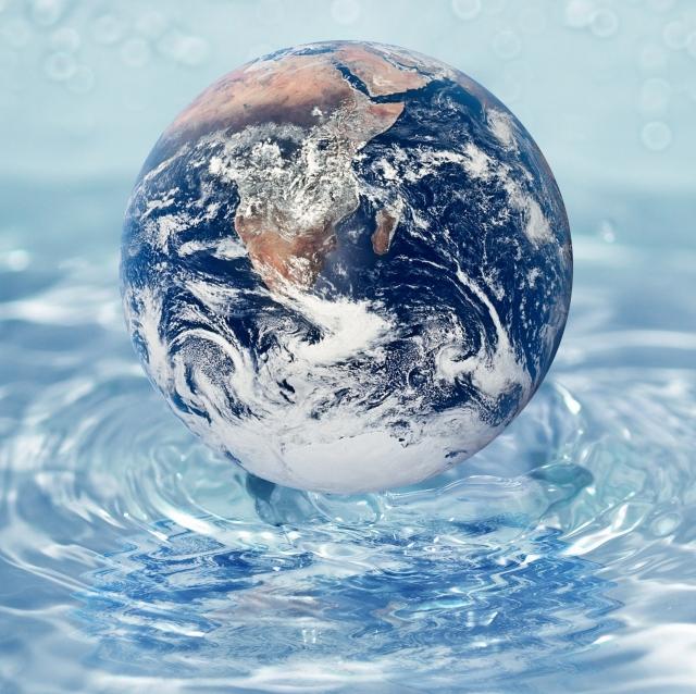 Water Globe Globe-in-water.jpg